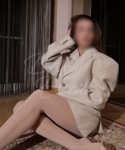 Barby Escorts - Lolita